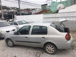 Clio Sedan completo