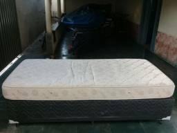 Cama Box de solteiro com colchão