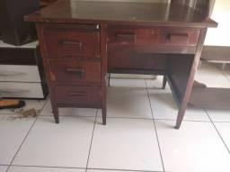 Escrivaninha antiga, estante antiga