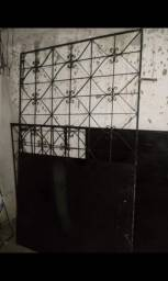 Grade de garagem de ferro