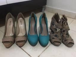 3 Sapatos semi novos