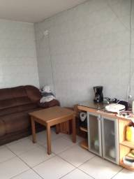Alugo quarto solteiro(a) -R$ 500