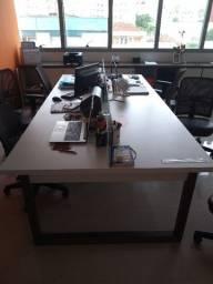 Título do anúncio: Barbada mesa de reuniões grande com 2,70 m de comprimento X 1,30 m de largura