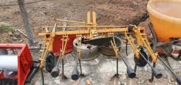 Cultivador para Trator Agricola, 6 hastes, com Pesos/Lastros - Trator