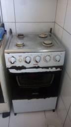 Vendo fogão usado de 4 bocas ou troco