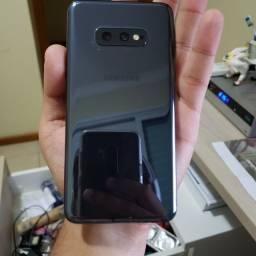 Galaxy s10e com a tela tela trincada