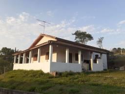 Chácara com 3 Dormitorios 1 banheiro 150m² para alugar 1.500/mês Definitivo