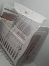 Berço mini cama semi novo 380,00