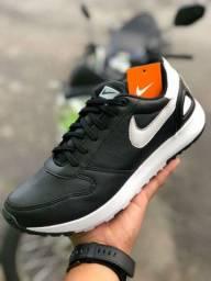 Tênis Nike retro