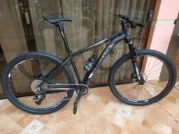 Bicicleta Absolute Wild mtb aro 29 - cabeamento interno
