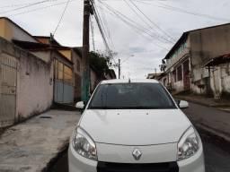 Sandero privilege 1.6  16V flex aut 2013