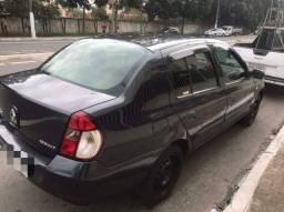 Clio sedan mais novo da Olx