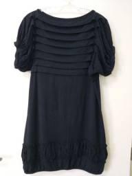 Vestido preto curto em malha