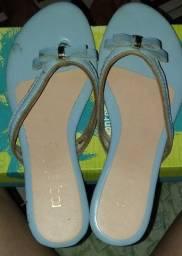 Sandália azul claro linda