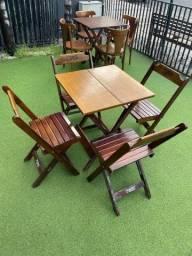 Mesa e cadeira dobrável