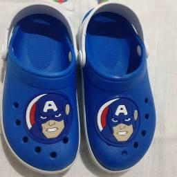 Sandálias crocs infantil