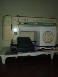 Máquina de custura