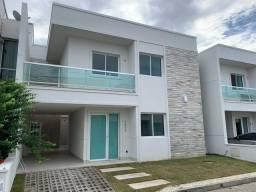 Ótima Oportunidade de morar em uma casa em condomínio fechado na Lagoa Redonda .