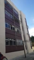 Apartamento 2 quartos para alugar na avenida em Piedade