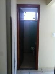 Alugo Apto 3 quartos, 2 suites no centro de Alfenas