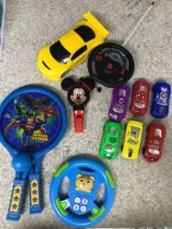 Lote brinquedos! Todos funcionando. Raquete, carrinho controle remoto, volante etc