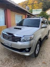 Vende-se HILUX SW4 SRV DIESEL AUTOMÁTICA 2014/2015 7 LUGARES
