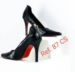Revenda calçados Feminino e masculino sofisticados de couro legítimo