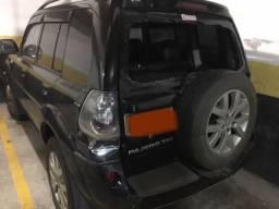 Mitsubishi com colisão - Pajero TR4 - Manual - 2011