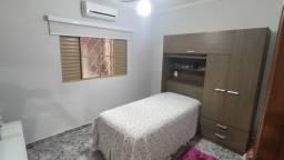 Alugo quarto individual para moças - Dom Lafayette
