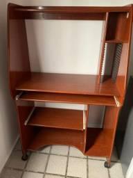 Mesa móvel rack para computador em madeira
