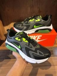 Tênis Nike Air 200 - $150,00