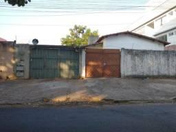 Lote à venda (619 m²) - com casas construídas