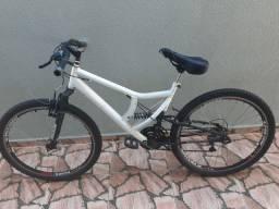 Bicicleta Canguru semi nova