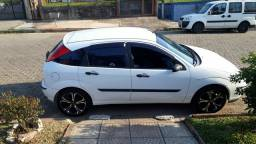 Ford Focus Hatch 1.6 ano/mod 2006