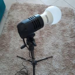Tripé de iluminação com lampada