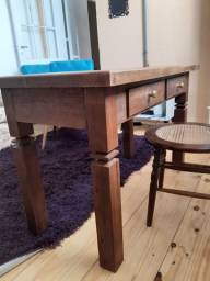 Mesa de madeira maciça NOVA