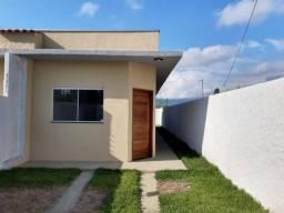 Vende-se casa geminada, nova com excelente acabamento, Golfinho em Caraguatatuba SP!