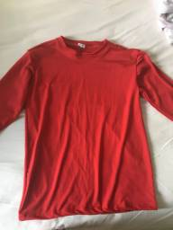 Vende-se camisa térmica vermelha