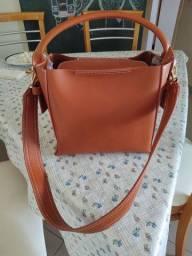 Bolsa em couro - nunca usada