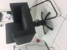 Cadeira hidráulica e lavatório