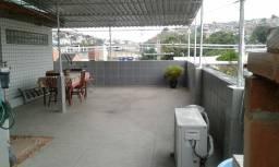 Casa tipo apartamento com amplo terraço com churrasqueira! Sem condomínio!