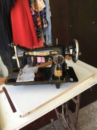 Máquina de costura Philips de luxe 200Reais