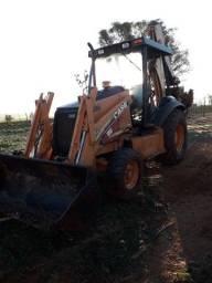 Retroescavadeira Case 580M 4x2 2010 emplacada