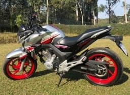 Título do anúncio: Moto Honda CB 250 Twister (entr+parc)