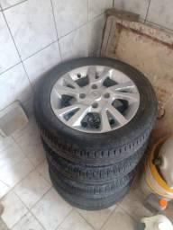 Título do anúncio: Jogo de Rodas Nissan aro 15 + pneus p vender logo