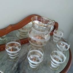 Conjunto de 5 taças e jarra da década de 50