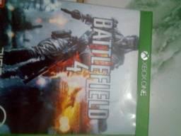 Vendo três jogos de Xbox one seme novos originais