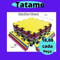 Tapete EVA 50x50x10m com bordas.
