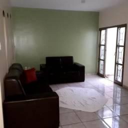 Casa para Venda em Uberlândia, Marta Helena, 3 dormitórios, 1 suíte, 2 banheiros, 2 vagas