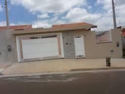 Vende-se uma casa em Cerquilho